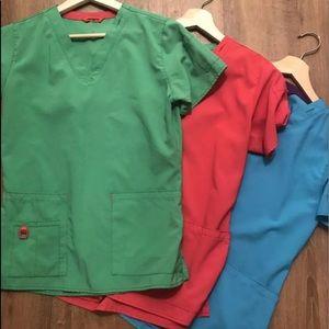 3 Super cute seTs CARHARTT Scrubs. Green pink blue